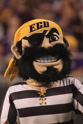 CHARLOTTE, NC - SEPTEMBER 03:  The East Carolina Pirates mascot during their game against the South Carolina Gamecocks at Bank of America Stadium on September 3, 2011 in Charlotte, North Carolina.  (Photo by Streeter Lecka/Getty Images)