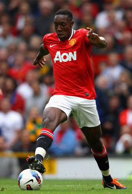MANCHESTER, ENGLAND - AUGUST 28:  Danny Welbeck of Manchester United with the ball during the Barclays Premier League match between Manchester United and Arsenal at Old Trafford on August 28, 2011 in Manchester, England.  (Photo by Alex Livesey/Getty Imag