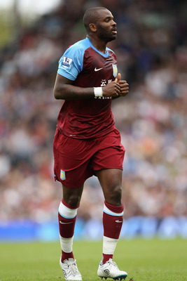 LONDON, ENGLAND - AUGUST 13:  Darren Bent of Aston Villa in action during the Barclays Premier League match between Fulham and Aston Villa at Craven Cottage on August 13, 2011 in London, England.  (Photo by Ian Walton/Getty Images)