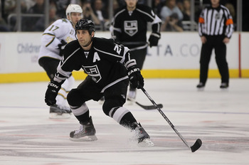 LOS ANGELES, CA - APRIL 02:  Jarret Stoll #28 of the Los Angeles Kings skates against the Dallas Stars at Staples Center on April 2, 2011 in Los Angeles, California.  (Photo by Jeff Gross/Getty Images)