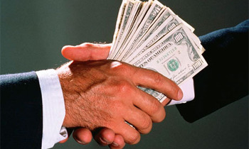 Handshake-with-money-006_display_image