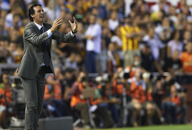 VALENCIA, SPAIN - SEPTEMBER 21: Head Coach Unai Emery of Valencia reacts during the La Liga match between Valencia and Barcelona at Estadio Mestalla on September 21, 2011 in Valencia, Spain.  (Photo by Manuel Queimadelos Alonso/Getty Images)