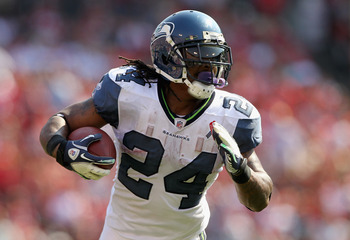 SAN FRANCISCO, CA - SEPTEMBER 11:  Marshawn Lynch #24 of the Seattle Seahawks in action against the San Francisco 49ers during their season opener at Candlestick Park on September 11, 2011 in San Francisco, California.  (Photo by Ezra Shaw/Getty Images)