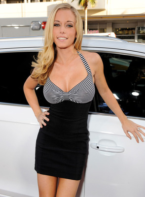 031510_kendra_wilkinson_544_display_image
