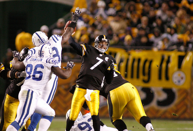 PITTSBURGH - NOVEMBER 09: Ben Roethlisberger #7 of the Pittsburgh Steelers passes with pressure from Robert Mathis #98 and Keyunta Dawson #96 of the Indianapolis Colts  on November 9, 2008 at Heinz Field in Pittsburgh, Pennsylvania. The Colts won 24-20. (