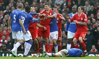 Tempers-flare-between-liv-001_display_image