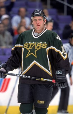 8 Dec 2000:  Brett Hull #16 of the Dallas Stars skates on the ice during the game against the Los Angeles Kings at the STAPLES Center in Los Angeles, California. The Kings defeated the Stars 5-2.Mandatory Credit: Robert Laberge  /Allsport