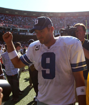 SAN FRANCISCO, CA - SEPTEMBER 18:  Tony Romo #9 of the Dallas Cowboys celebrates after defeating the San Francisco 49ers at Candlestick Park on September 18, 2011 in San Francisco, California.  (Photo by Jed Jacobsohn/Getty Images)