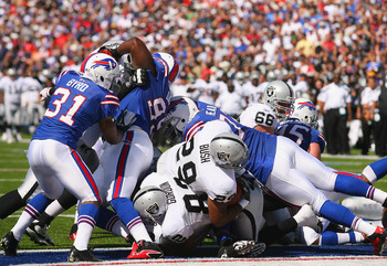 ORCHARD PARK, NY - SEPTEMBER 18:  Michael Bush #29 of the Oakland Raiders scores Oakland's first touchdown against the Buffalo Bills at Ralph Wilson Stadium on September 18, 2011 in Orchard Park, New York.  (Photo by Rick Stewart/Getty Images)