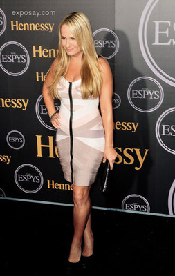 Jenn-brown-hennessey-presents-official-2011-0tjxet_display_image
