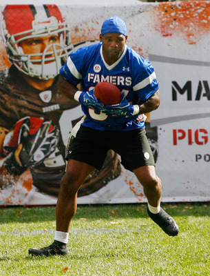 NEW YORK, NY - JULY 27: Former NFL great Herschel Walker participates in the Madden NFL 12 Pigskin Pro-Am at Bryant Park on July 27, 2011 in New York City. (Photo by Andy Marlin/Getty Images for EA Sports)
