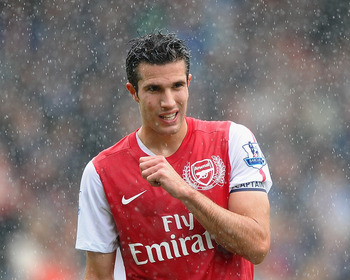 BLACKBURN, ENGLAND - SEPTEMBER 17:  Robin Van Persie of Arsenal in action during the Barclays Premier League match between Blackburn Rovers and Arsenal at Ewood Park on September 17, 2011 in Blackburn, England.  (Photo by Laurence Griffiths/Getty Images)