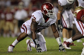 TALLAHASSEE, FL - SEPTEMBER 17:  Bryan Ekwede #84 of the Oklahoma Sooners wears the number 12 in memory of Austin Box at Doak Campbell Stadium on September 17, 2011 in Tallahassee, Florida.  (Photo by Ronald Martinez/Getty Images)