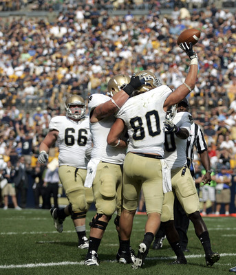 PITTSBURGH, PA - SEPTEMBER 24:  Tyler Eifert #80 of the Notre Dame Fighting Irish celebrates his second half touchdown against the Pittsburgh Panthers during the game on September 24, 2011 at Heinz Field in Pittsburgh, Pennsylvania.  The Irish defeated th