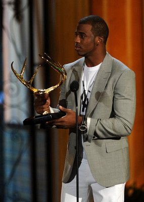 CULVER CITY, CA - JUNE 04:  Mixed martial artist Jon Jones accepts the Most Dangerous Man award onstage during Spike TV's 5th annual 2011 'Guys Choice' Awards at Sony Pictures Studios on June 4, 2011 in Culver City, California.  (Photo by Kevin Winter/Get