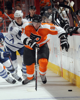 PHILADELPHIA, PA - SEPTEMBER 21:  Jakub Voracek #9 of the Philadelphia Flyers skates against the Toronto Maple Leafs at the Wells Fargo Center on September 21, 2011 in Philadelphia, Pennsylvania. The Maple Leafs defeated the Flyers 4-2.  (Photo by Bruce B