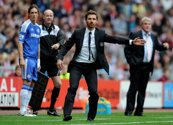 SUNDERLAND, ENGLAND - SEPTEMBER 10:  Chelsea Manager Andre Villas Boas reacts as Fernando Torres of Chelsea prepares to come on as a substitute the Barclays Premier League match between Sunderland and Chelsea at the Stadium of Light on September 10, 2011