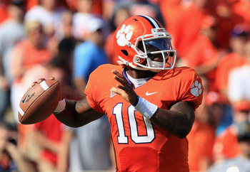 CLEMSON, SC - SEPTEMBER 24:  Tajh Boyd #10 of the Clemson Tigers celebrates drops back to pass against the Florida State Seminoles during their game at Memorial Stadium on September 24, 2011 in Clemson, South Carolina.  (Photo by Streeter Lecka/Getty Imag