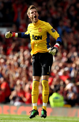 MANCHESTER, ENGLAND - SEPTEMBER 18:   David de Gea of Manchester United celebrates his team's third goal during the Barclays Premier League match between Manchester United and Chelsea at Old Trafford on September 18, 2011 in Manchester, England. (Photo by