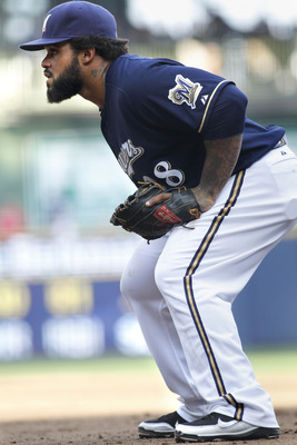 MILWAUKEE, WI - SEPTEMBER 1:  Prince Fielder #28 of the Milwaukee Brewers gets in position during their game against the St Louis Cardinals at Miller Park on September 1, 2011 in Milwaukee, Wisconsin. The Cardinals beat the Brewers 8-4.(Photo by Mark Hirs