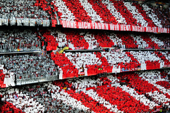 MADRID, SPAIN - MAY 22: Bayern Muenchen fans show their support ahead of the UEFA Champions League Final match between FC Bayern Muenchen and Inter Milan at the Estadio Santiago Bernabeu on May 22, 2010 in Madrid, Spain.  (Photo by Jamie McDonald/Getty Im