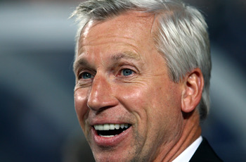 LONDON, ENGLAND - SEPTEMBER 12:  Alan Pardew, manager of Newcastle looks on during the Barclays Premier League match between Queens Park Rangers and Newcastle United at Loftus Road on September 12, 2011 in London, England.  (Photo by Julian Finney/Getty I