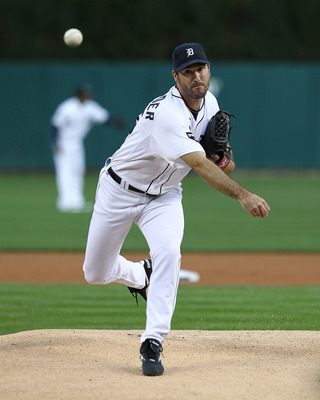 DETROIT, MI - SEPTEMBER 24:  Justin Verlander #35 of the Detroit Tigers pitches in warm-ups against the Baltimore Orioles before a MLB game at Comerica Park on September 24, 2011 in Detroit, Michigan.  (Photo by Dave Reginek/Getty Images)
