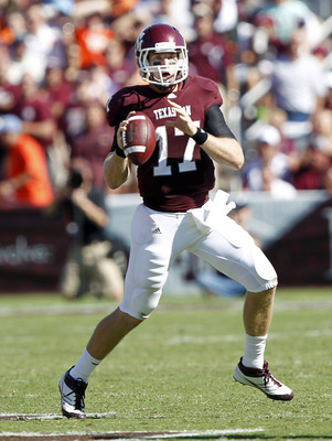 COLLEGE STATION, TX - SEPTEMBER 24:  Quarterback Ryan Tannehill #17 of the Texas A&M Aggies looks for a receiver in the second quarter against the Oklahoma State Cowboys at Kyle Field on September 24, 2011 in College Station, Texas.  (Photo by Bob Levey/G