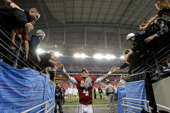 GLENDALE, AZ - JANUARY 01:  Kenny Stills #4 of the Oklahoma Sooners celebrates the Sooners 48-20 victory against the Connecticut Huskies during the Tostitos Fiesta Bowl at the Universtity of Phoenix Stadium on January 1, 2011 in Glendale, Arizona.  (Photo