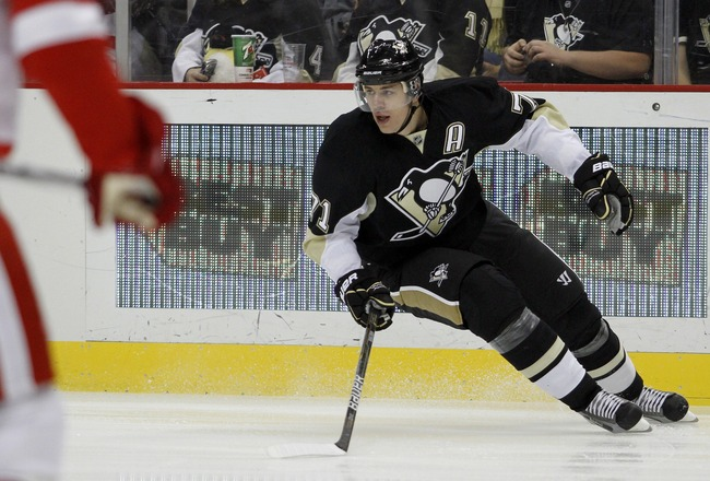 PITTSBURGH, PA - SEPTEMBER 21:  Evgeni Malkin #71 of the Pittsburgh Penguins skates against the Detroit Red Wings during a preseason game at Consol Energy Center on September 21, 2011 in Pittsburgh, Pennsylvania.  (Photo by Justin K. Aller/Getty Images)