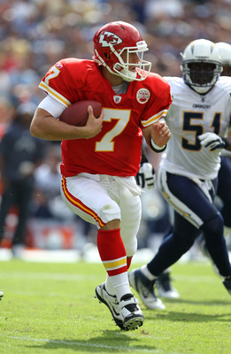 SAN DIEGO, CA - SEPTEMBER 25:  Quarterback Matt Cassel #7 of the Kansas City Chiefs scrambles against the San Diego Chargers at Qualcomm Stadium on September 25, 2011 in San Diego, California.    The Chargers won 20-17.  (Photo by Stephen Dunn/Getty Image