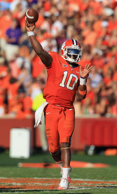 CLEMSON, SC - SEPTEMBER 24:  Tajh Boyd #10 of the Clemson Tigers throws a pass against the Florida State Seminoles during their game at Memorial Stadium on September 24, 2011 in Clemson, South Carolina.  (Photo by Streeter Lecka/Getty Images)