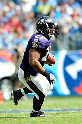 NASHVILLE, TN - SEPTEMBER 18:  Ray Rice #27 of the Baltimore Ravens runs against the Tennessee Titans at LP Field on September 18, 2011 in Nashville, Tennessee. Tennessee won 26-13.  (Photo by Grant Halverson/Getty Images)