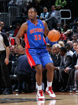 ATLANTA - NOVEMBER 03:  DaJuan Summers #35 of the Detroit Pistons against the Atlanta Hawks at Philips Arena on November 3, 2010 in Atlanta, Georgia.  NOTE TO USER: User expressly acknowledges and agrees that, by downloading and/or using this Photograph,