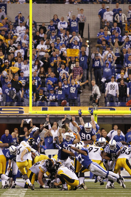 INDIANAPOLIS, IN - SEPTEMBER 25: Shaun Suisham #6 of the Pittsburgh Steelers kicks the game-winning 38-yard field goal against the Indianapolis Colts at Lucas Oil Stadium on September 25, 2011 in Indianapolis, Indiana. The Steelers won 23-20. (Photo by Jo