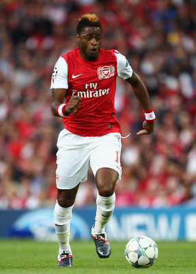 LONDON, ENGLAND - AUGUST 16:  Alex Song of Arsenal with the ball during the UEFA Champions League play-off first leg match between Arsenal and Udinese at the Emirates Stadium on August 16, 2011 in London, England.  (Photo by Julian Finney/Getty Images)