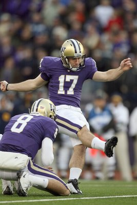 SEATTLE - DECEMBER 05:  Erik Folk #17 of the Washington Huskies kicks a field goal during game against the California Bears on December 5, 2009 at Husky Stadium in Seattle, Washington. The Huskies defeated the Bears 42-10. (Photo by Otto Greule Jr/Getty I