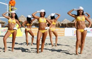 Beach_volleyball_cheerleaders_16_display_image