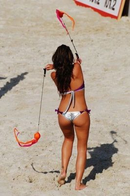 Beach_volleyball_cheerleaders_21_display_image