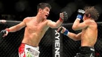 Dominick Cruz attacking Urijah Faber