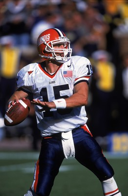 29 Sep 2001:  Kurt Kittner #15 of the Illinois Fighting Illini prepares to throw during the game against the Michigan Wolverines at the Michigan Stadium in Ann Arbor, Michigan.  The Wolverines defeated the Fighting Illini 45-20.Mandatory Credit: Tom Pidge
