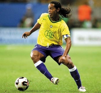 Ronaldinho-853_display_image