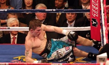 Pretty_boy_floyd_mayweather_knocked_out_the_hitman_ricky_hatton_1693455_display_image