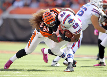 Bengals' MLB Maualuga Takes Bills' RB Jackson to the turf