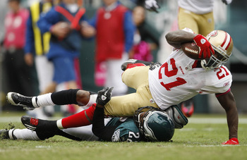 49ers' Frank Gore (21) was all over the Eagles in 24-23 win