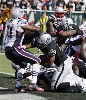 Patriots_raiders_football_91861_team_display_image