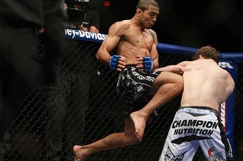Jose-aldo-flying-knee_display_image