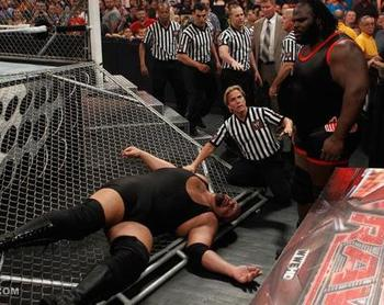 Mark-henry-destroys-the-big-show-raw-roulette_original_display_image