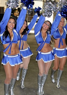 Lions_cheerleaders_10_display_image