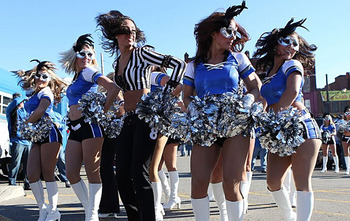 Lions_cheerleaders112410_display_image